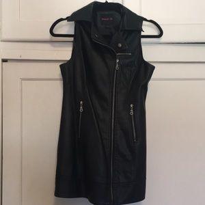Black Leathet Vest For Woman